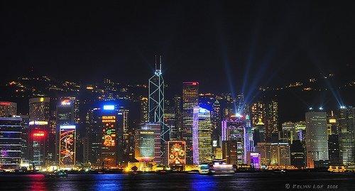 Hong Kong nightly laser light show, Victoria Harbor (courtesy kelvin255 at Flickr CC)